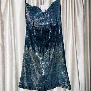 Dresses & Skirts - Sequin dress💎
